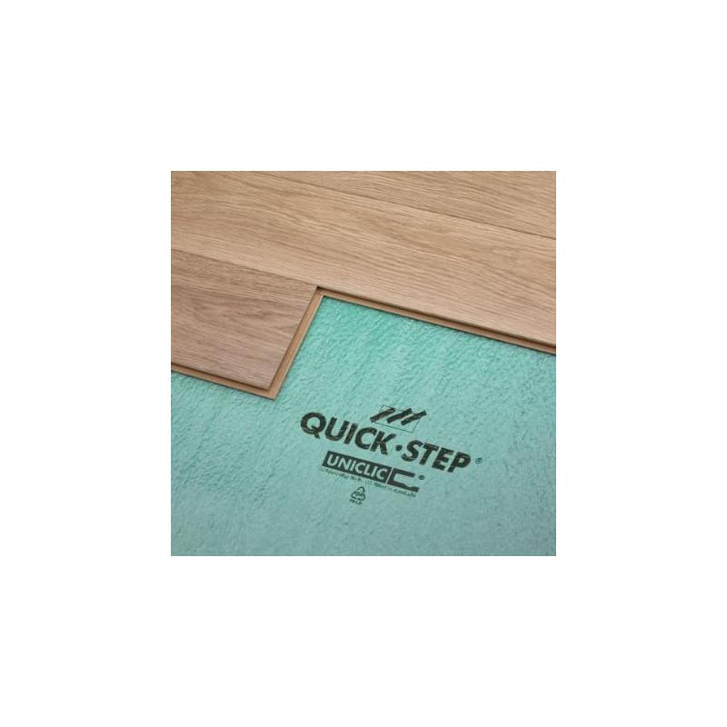 Sous-couche verte Quick-Step Uniclic pour sol stratifié.