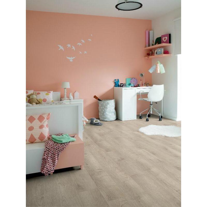QUICK STEP - Lame PVC clipsable - Livyn Balance Click - chêne perlé marron gris.