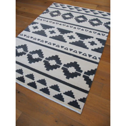 Tapis Motif Ethnique Noir Et Blanc Casse 120x170cm Alaska
