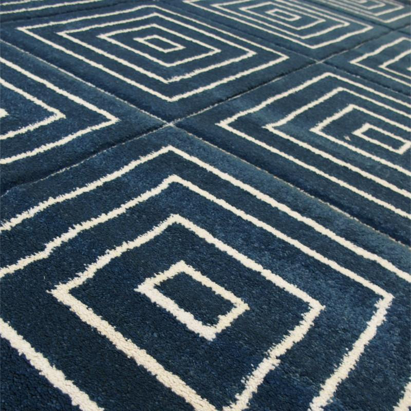 tapis motif carr s bleu fonc et blanc 120x170cm shuffle balta. Black Bedroom Furniture Sets. Home Design Ideas