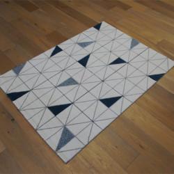 Tapis motif Triangles bleu foncé et blanc - 120x170cm - Shuffle - BALTA