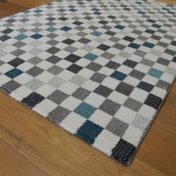 Tapis motif Damier bleu et gris, fond blanc cassé - 120x170cm - ELLE - BALTA