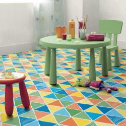 Revêtement PVC Harlequin - Largeur 2m - Exclusive 300 Play - Triangles colorés Garland Toffee - Tarkett