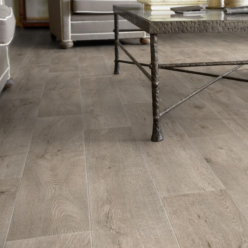 Sol PVC - Legacy parquet chêne gris clair - Iconik Resist TARKETT - rouleau 4M