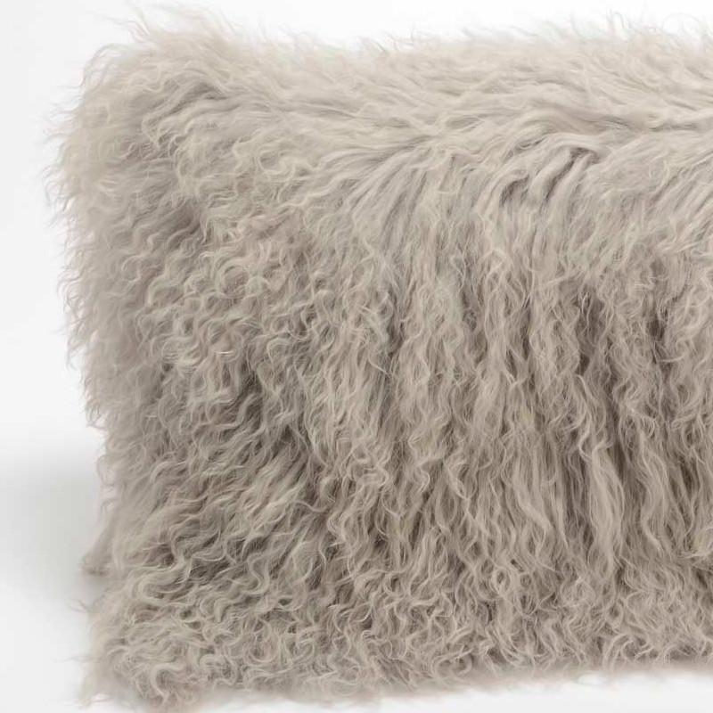 Coussin en poils d'agneau gris perle - 30x50cm - Amadeus