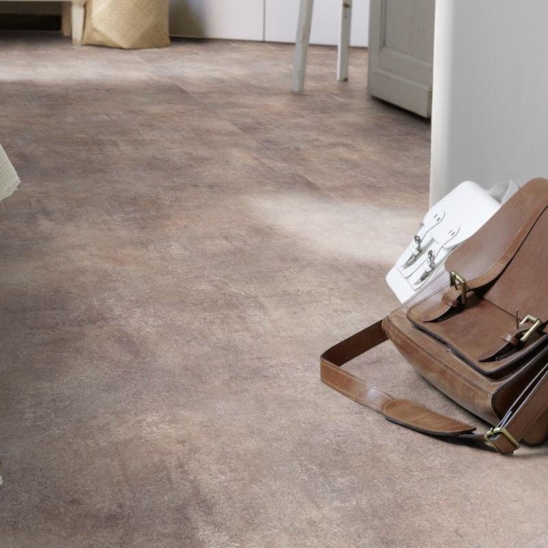 Sol PVC - Kiruma metallic grey - Iconik Resist TARKETT- rouleau 4M
