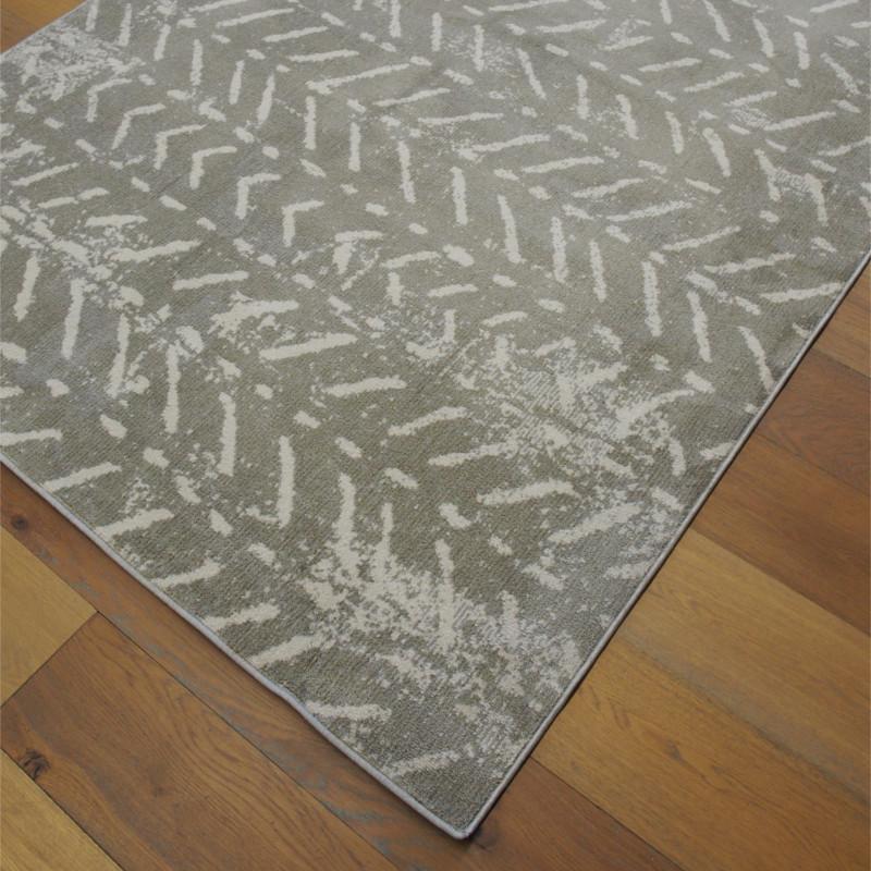 Tapis tout doux FLY gris à motif chevrons ethniques - Balta 160x230cm
