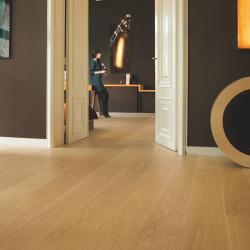 "Sol Stratifié ""Chêne verni naturel planches LPU1284"" - Largo QUICK STEP"