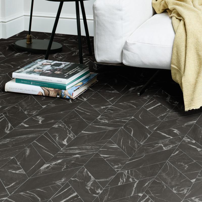Sol PVC - Ziano T99 chevrons marbre noir - Ultimate Stone IVC - rouleau 3M