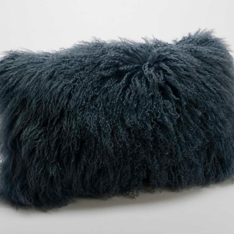 Coussin en poils d'agneau bleu - 30x50cm - Amadeus