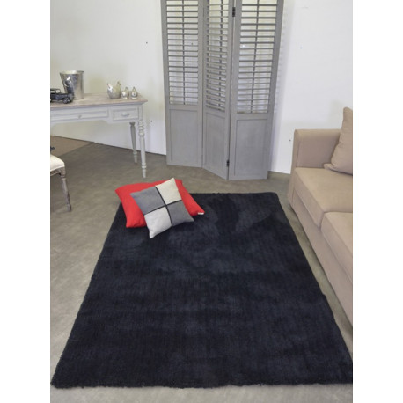 Tapis shaggy uni noir ou crème - PARDUCCHI 140x200