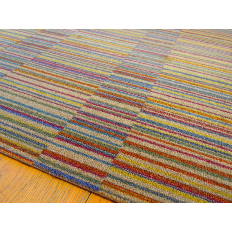 Dalle de moquette dna a rayures multicolores fond taupe - Tapis rayures multicolores ...