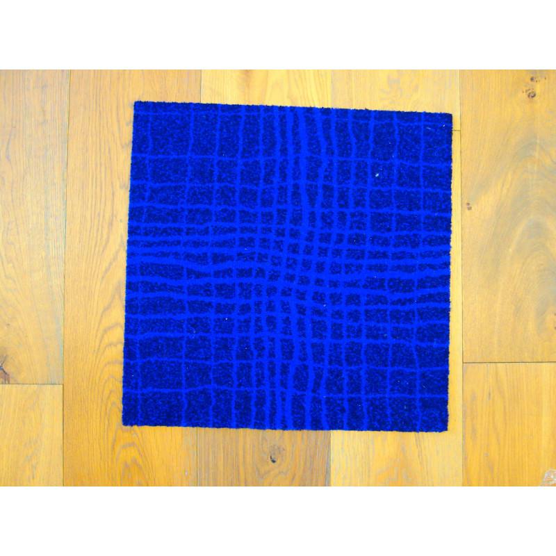 Dalle de moquette Vise Versa - Motif design géométrique bleu violet.