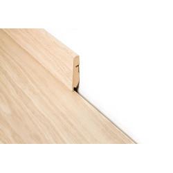 Plinthe standard Quick-Step 2m40 - assortie au coloris de votre revêtement de sol.